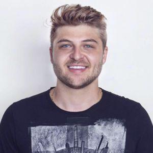 Léo Schmidt Donvito  - Marketing & Eventos 💡